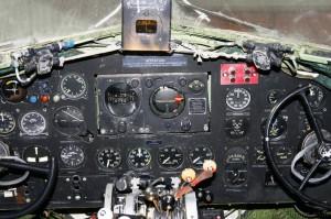 DC-3 Cockpit (12)_01.jpg