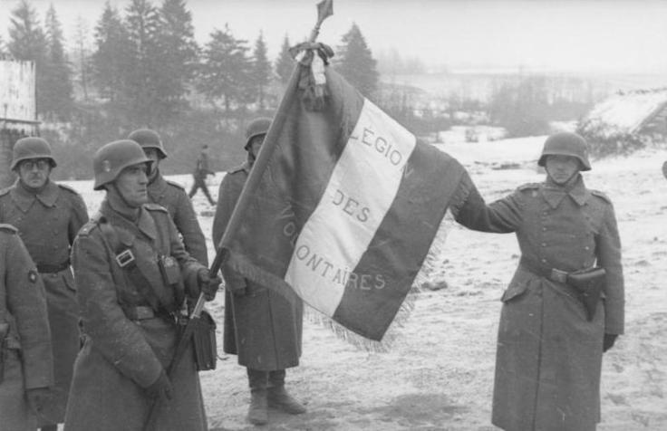 Soldaten_der_französischen_Legion,_Fahne