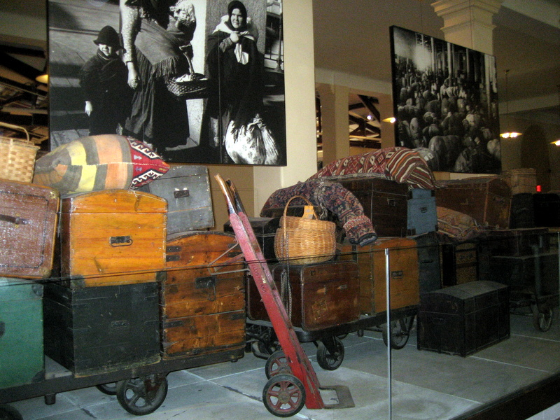 bagages migrants Ellis Island
